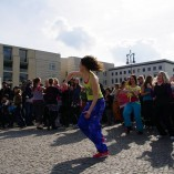 Bild-10-Zumba-Flashmob-Brandenburger-Tor