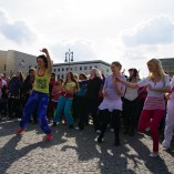 Bild-13-Zumba-Flashmob-Brandenburger-Tor