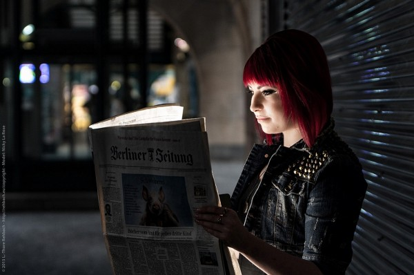 """Die Zeitung """"strahlt""""."""